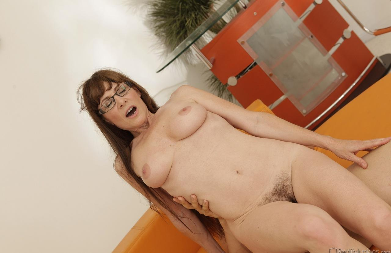 sexy hairy cream mature gets her hot hole tested by a young volontary picture 3