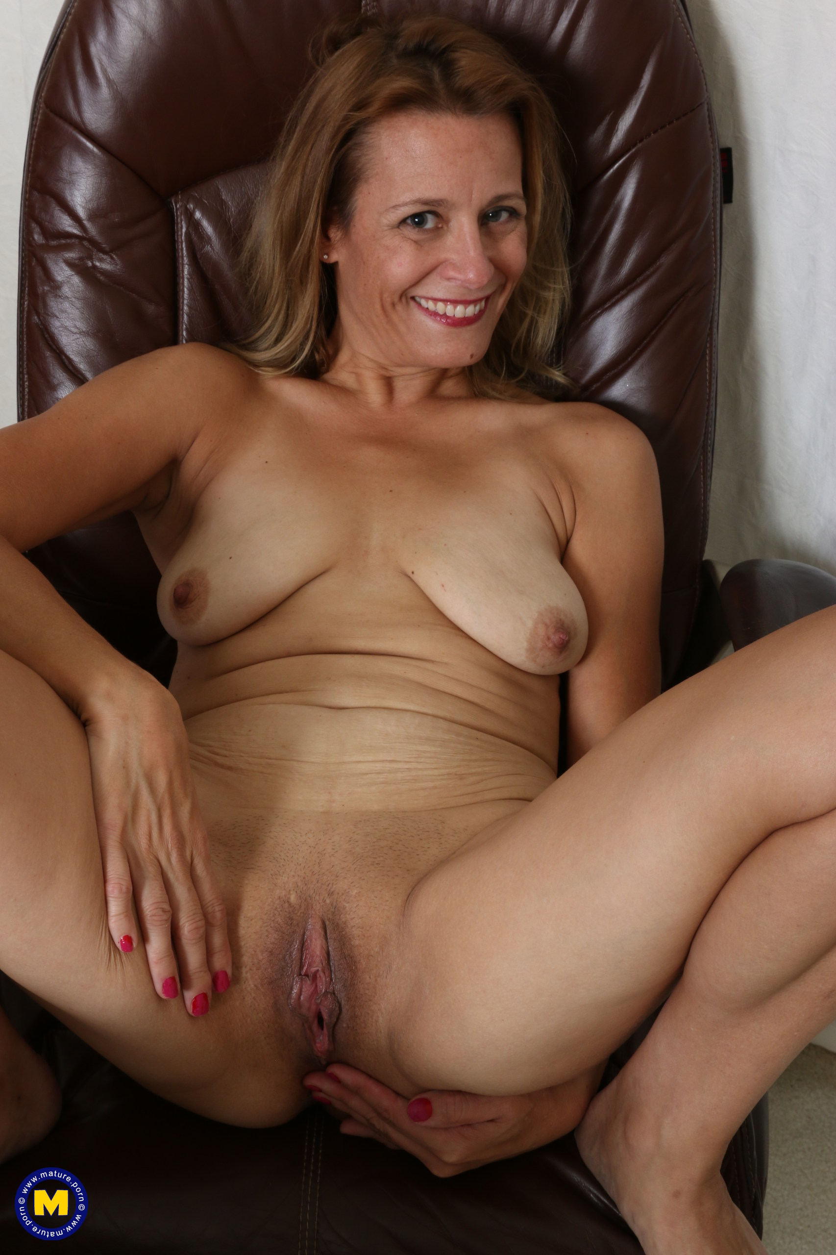 Divorced mature woman i met on a dating site 8