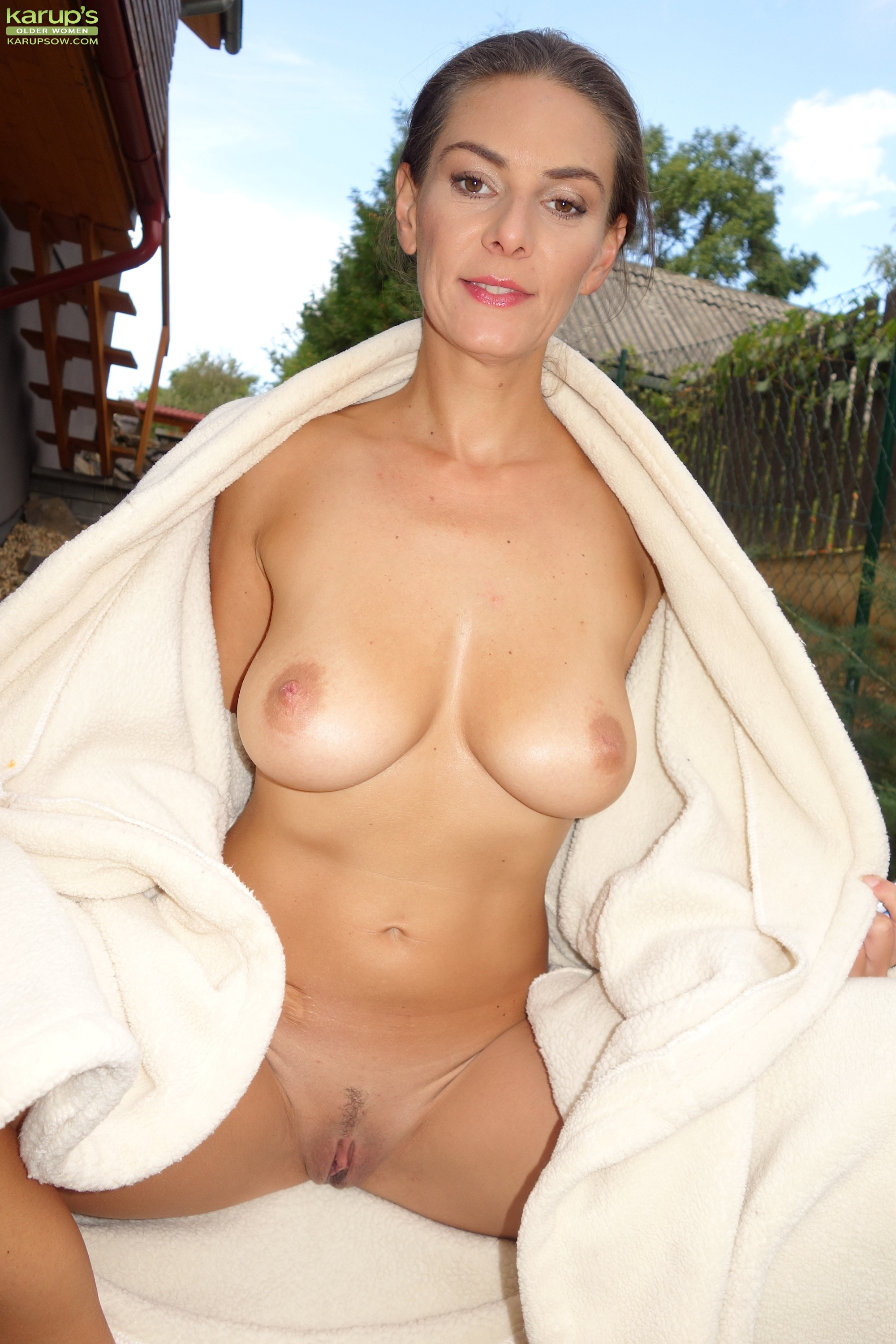 Sweet 45 years old divorced having good time after a sauna session #5