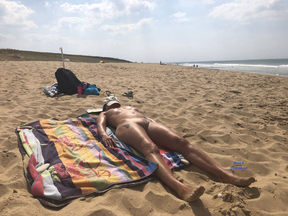 retired mature nudist spending a couple of days at the beach #3