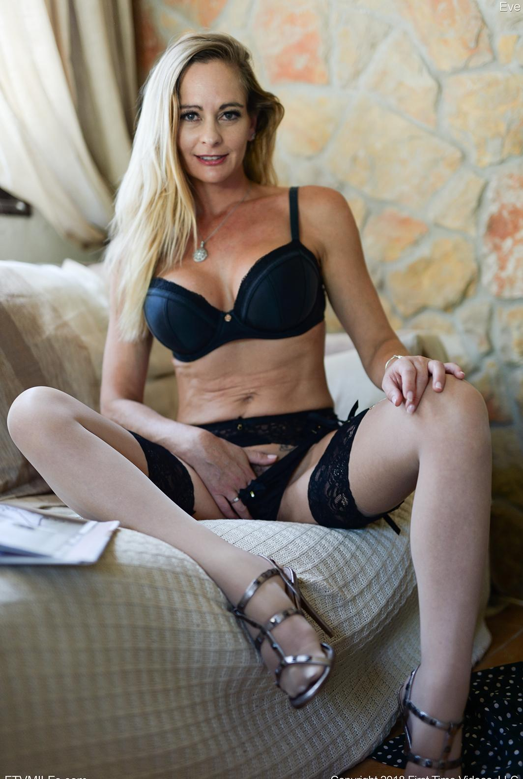 kinky french mom puts something dirty between her legs picture 5