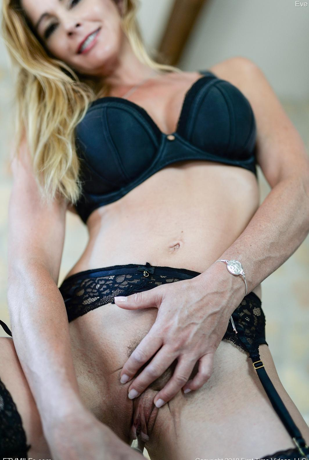 kinky french mom puts something dirty between her legs picture 9
