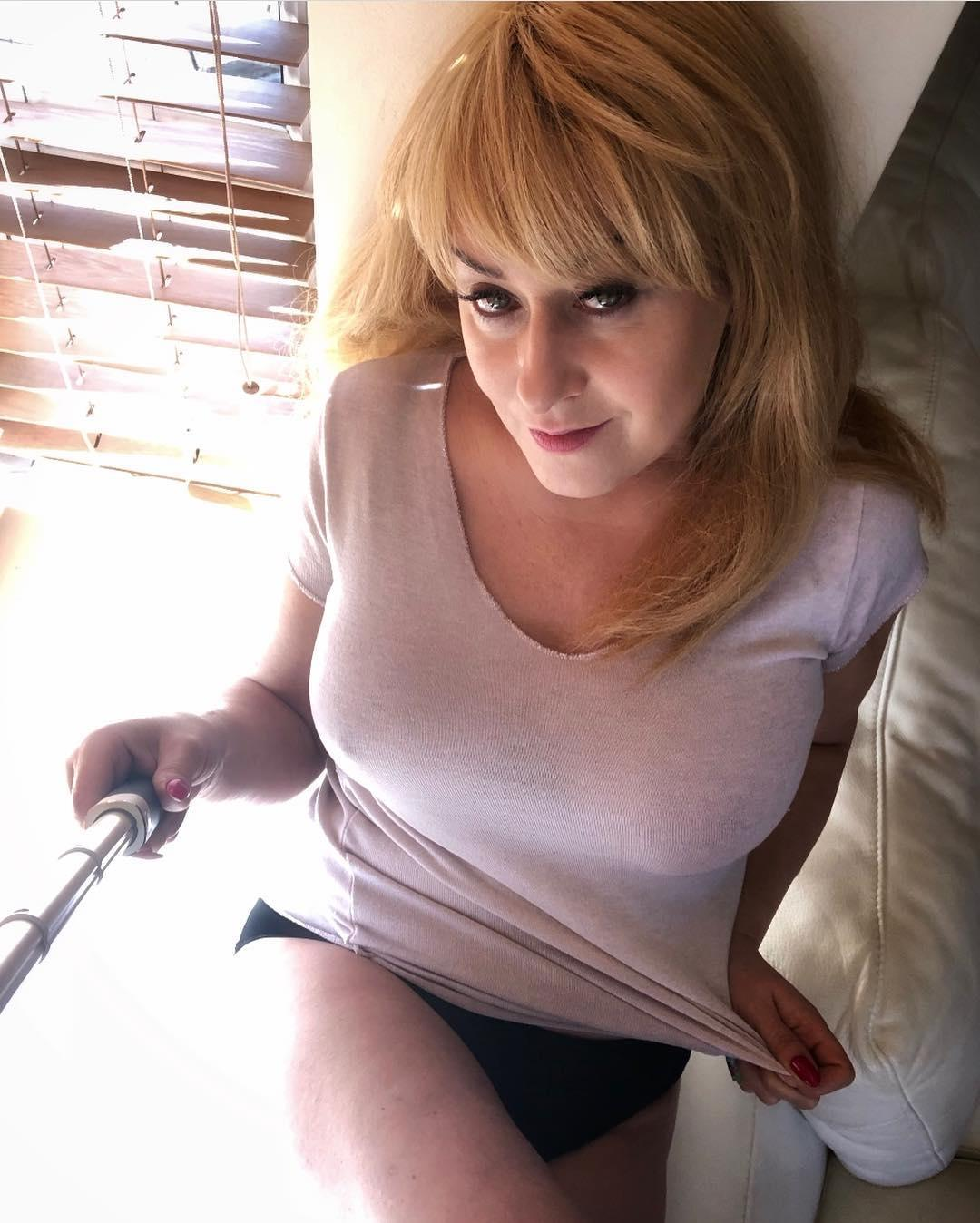 busty mature doing some downblouse selfies - would you like to drop it ? picture 3