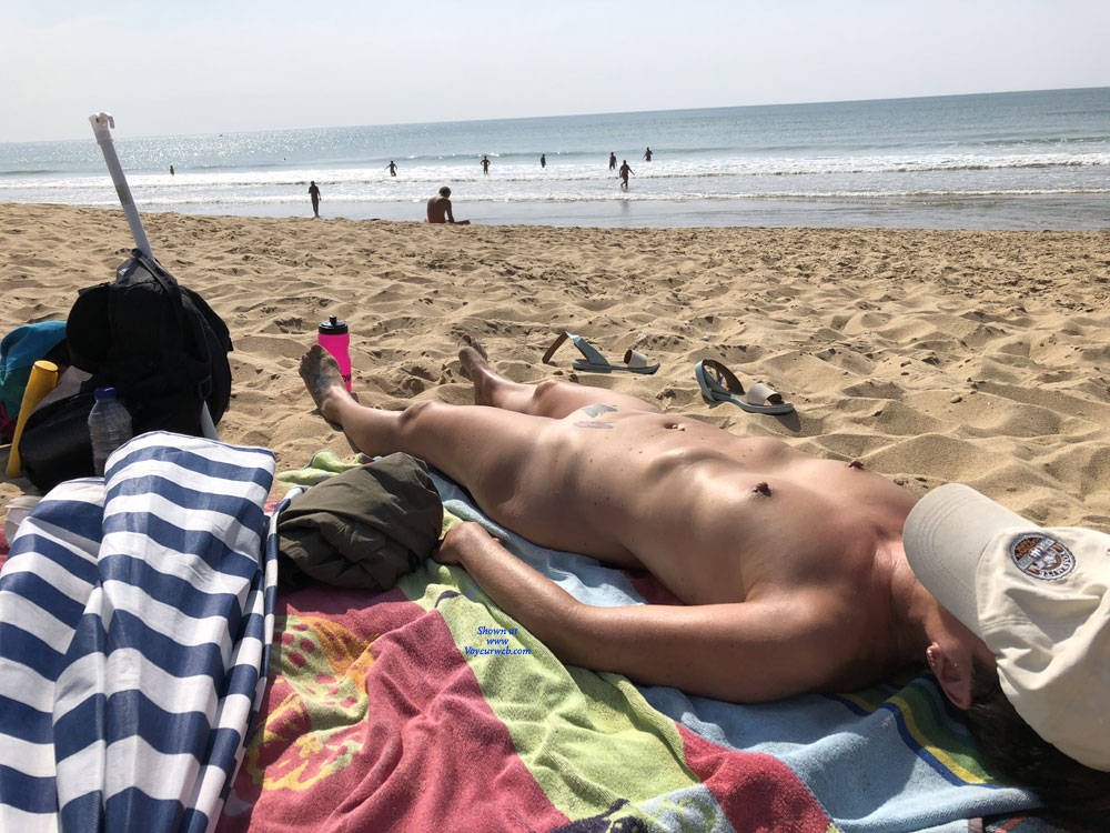 retired mature nudist spending a couple of days at the beach #6