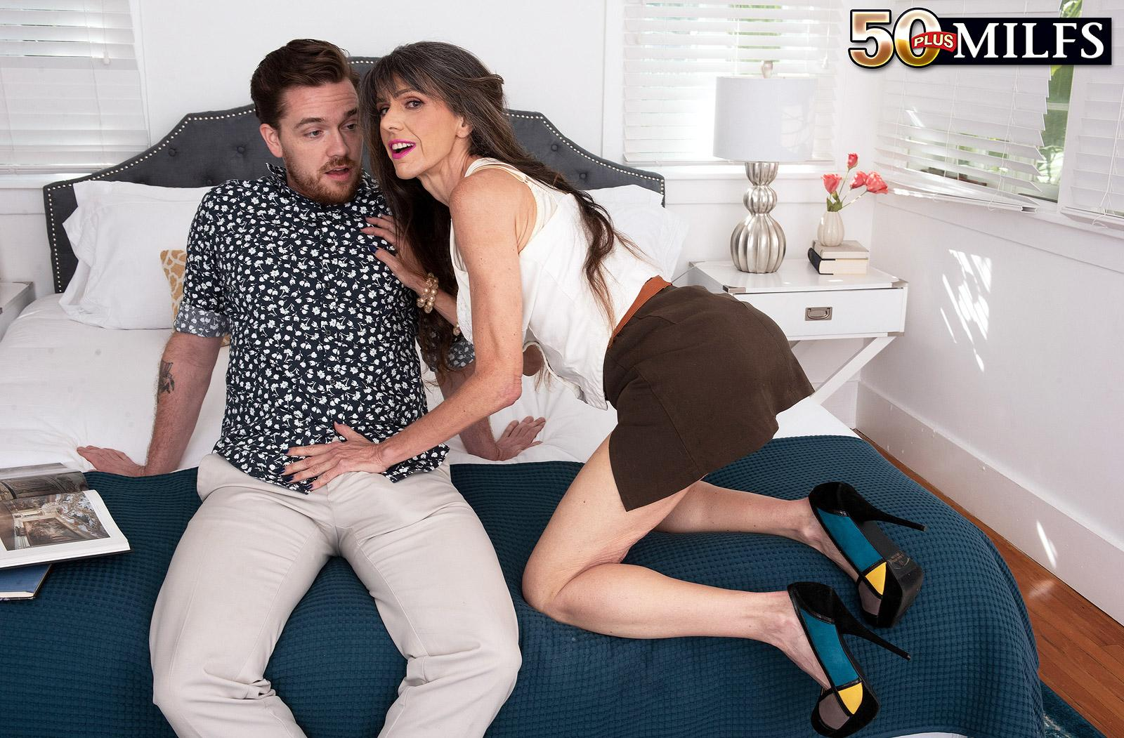 sweet mature Beth Sinkati spending a fine anal hour with her younger lover picture 9
