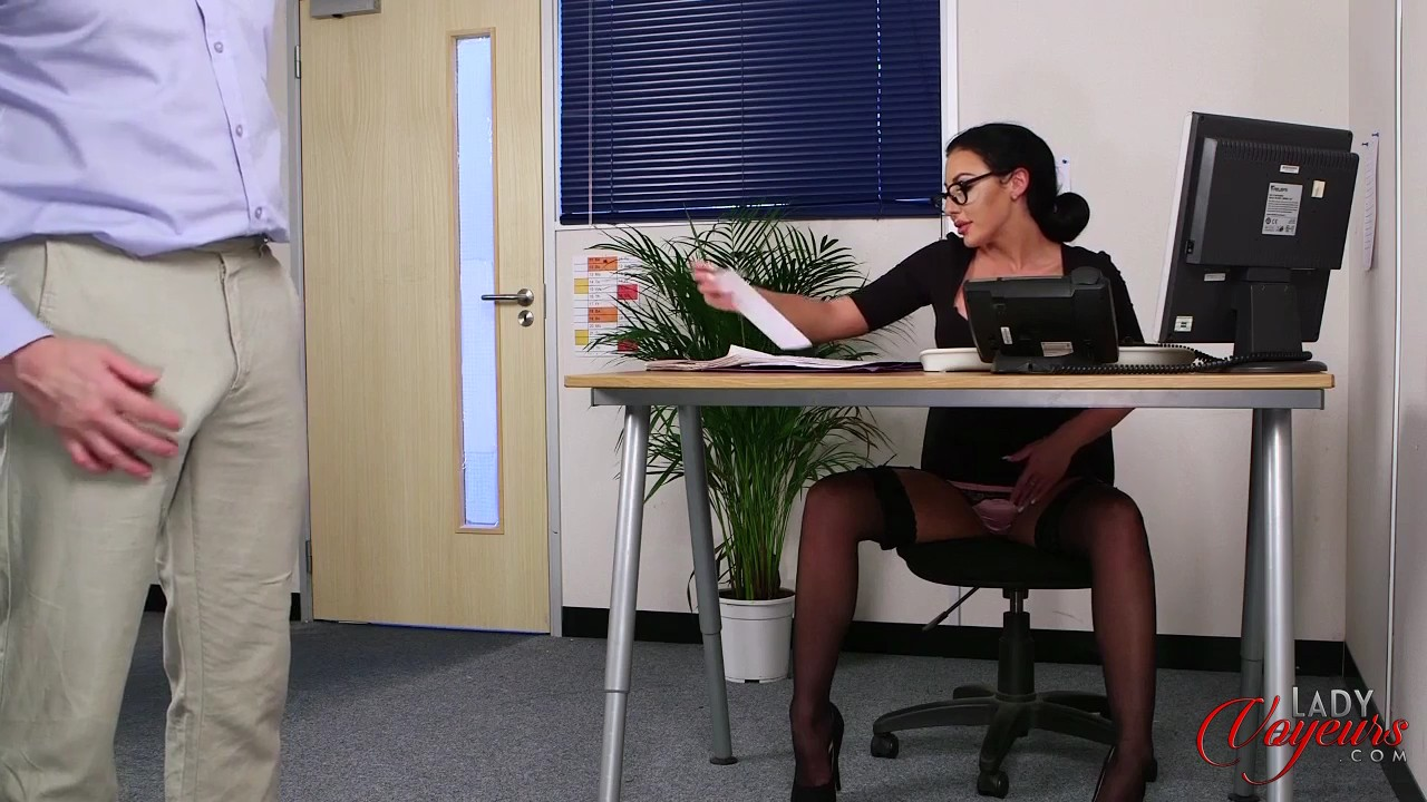 rotten employee peeps thru the skirt of his mature secretary #3
