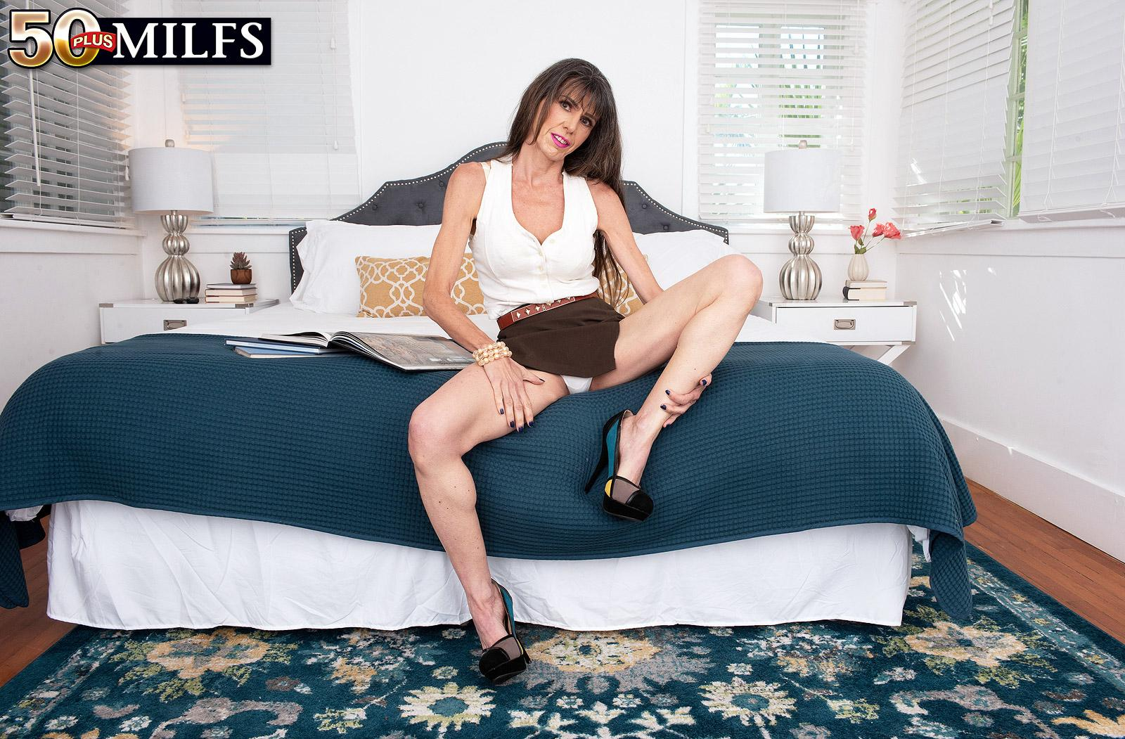sweet mature Beth Sinkati spending a fine anal hour with her younger lover picture 6