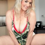 Meet Sandy, a MILF with big boobs - Sandy Bigboobs (76 Photos) - 40 Something picture 6