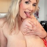 Meet Sandy, a MILF with big boobs - Sandy Bigboobs (76 Photos) - 40 Something picture 15