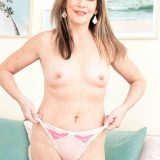 Meet Arianna Steele, anal MILF - Arianna Steele (94 Photos) - 50 Plus MILFs picture 13