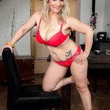 Meet Sandy, a MILF with big boobs - Sandy Bigboobs (76 Photos) - 40 Something picture 10