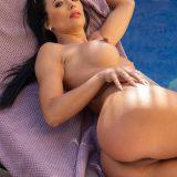 pretty bikini milf Shalina Devine picture 14