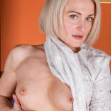 For her age, this sharp intellectual mature Milf has a perfect figure picture 7