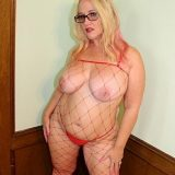 Meet at an illegal amateur swingers, this mature milf has brought 8 cocks to cum. picture 7