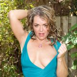 Can She Make Them Fit? - Kelly Leigh (114 Photos) - Naughty Mag picture 14