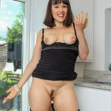 This sexy european mature masturbates twice a day when her husband is at work. picture 9