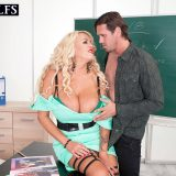 Busty boss Shannon Blue bangs her employee - Shannon Blue (100 Photos) - 50 Plus MILFs picture 7