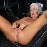 hot american mature spreading her legs inside her automobile picture 13