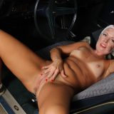hot american mature spreading her legs inside her automobile picture 10