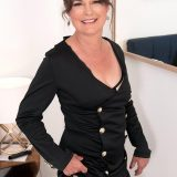 Fasten your seat belts. Kelly is putting on a show! - Kelly Scott (59 Photos) - 50 Plus MILFs picture 6