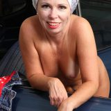 hot american mature spreading her legs inside her automobile picture 11