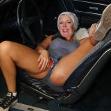 hot american mature spreading her legs inside her automobile picture 6