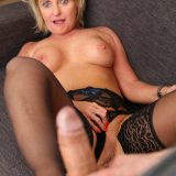 pretty ole mature Susi opens her legs and takes my overboarding dump picture 9