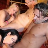 hot group of mature swinger ladies fucking like no tomorrow picture 3