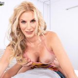 Lexi's sticky situation - Lexi Sapphire (51 Photos) - 40 Something picture 9