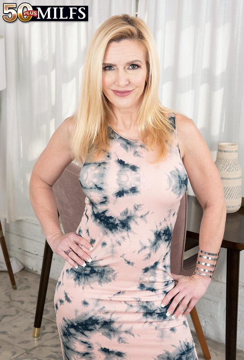Marilyn Masters' first porno - Marilyn Masters and Milan (86 Photos) - 50 Plus MILFs picture 2