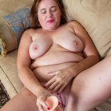 sexy mom from wisconsin is single again picture 7