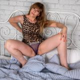 old tall lady spreading her legs picture 9